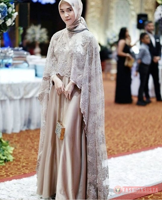 Dress Kebaya Brokat Hijab Modern Model Cape Soft Krem and Grey