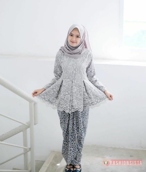 Baju Kebaya Brokat Model Peplum Soft Grey