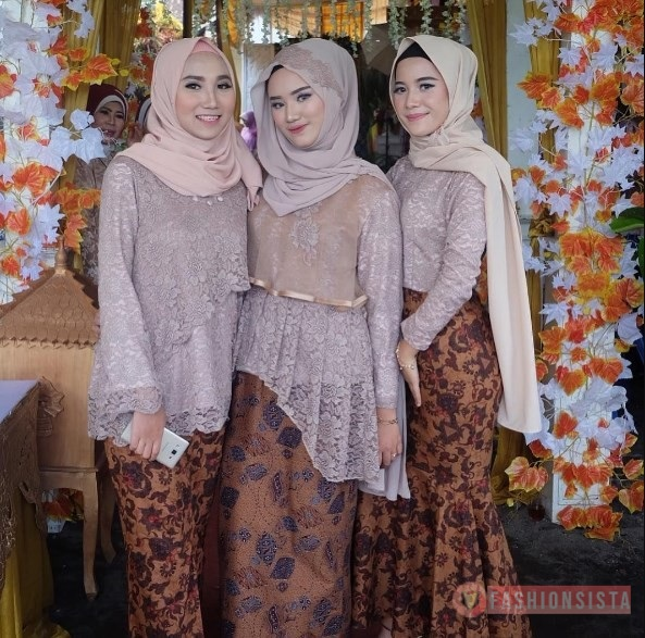 Baju Kebaya Peplum Organza Model Dress Soft Mocca