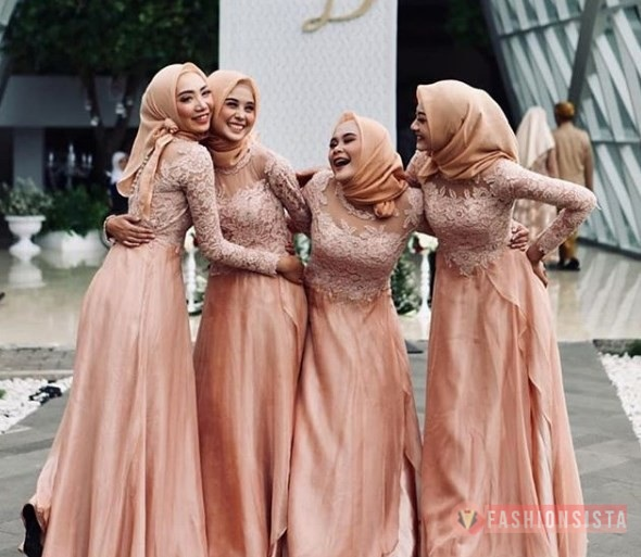 Model Dress Kebaya Hijab Brokat Simple Peach Tua
