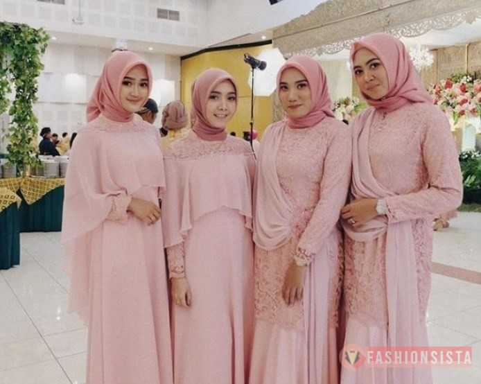Model Dress Kebaya Brokat Hjjab Muslim Selendang Bahu Pink Pastel