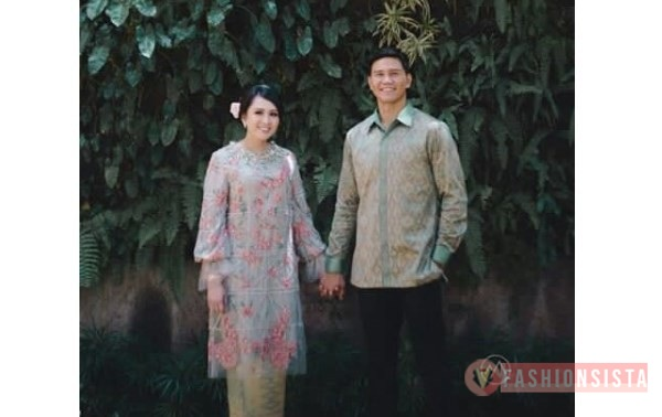 Model Kebaya Couple Terbaru Panjang Grey Payet Flower