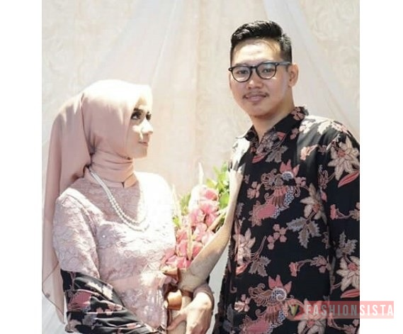 Model Baju Kebaya Couple Selendang Batik Soft Nude