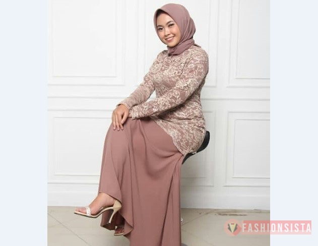 Model Kebaya Muslim Atasan Panjang Soft Purple