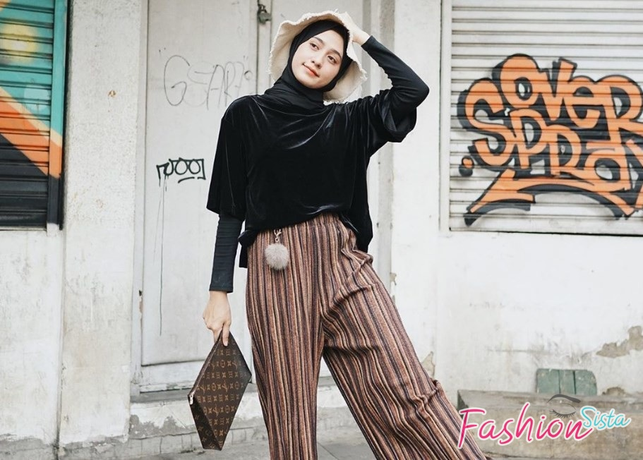 Fashion Model Hijab Casual