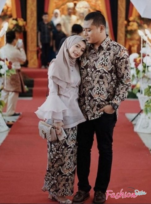 Couple batik brokat